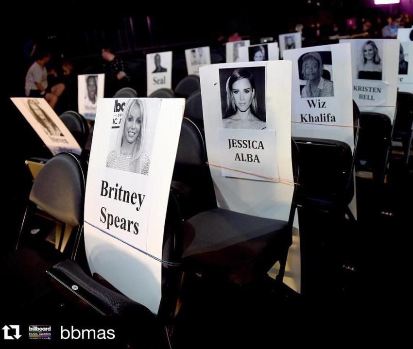 Jessica Alba feliz por ter ficado junto a Britney Spears
