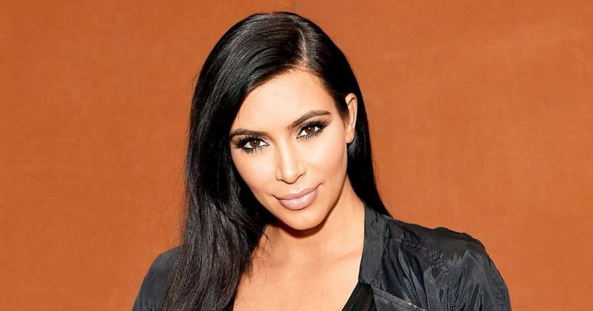 - Kim Kardashian também não é grande fã do número 13. Depois de Kanye West a ter pedido em casamento, em 2013, consta-se que a socialite decidiu oficializar a união com o rapper e empresário apenas no ano seguinte, pois achava que o fato de haver um 13 poderia ser sinal de azar.