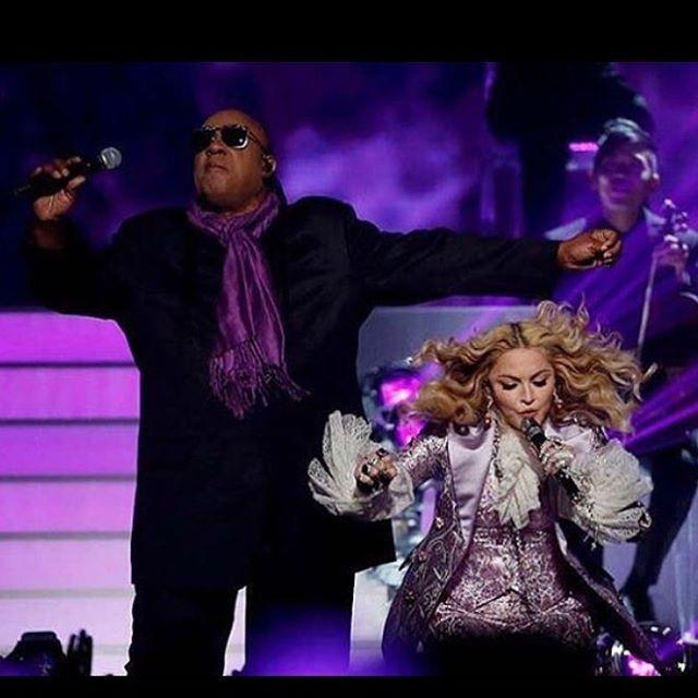 Stevie Wonder e Madonna no tributo a Prince