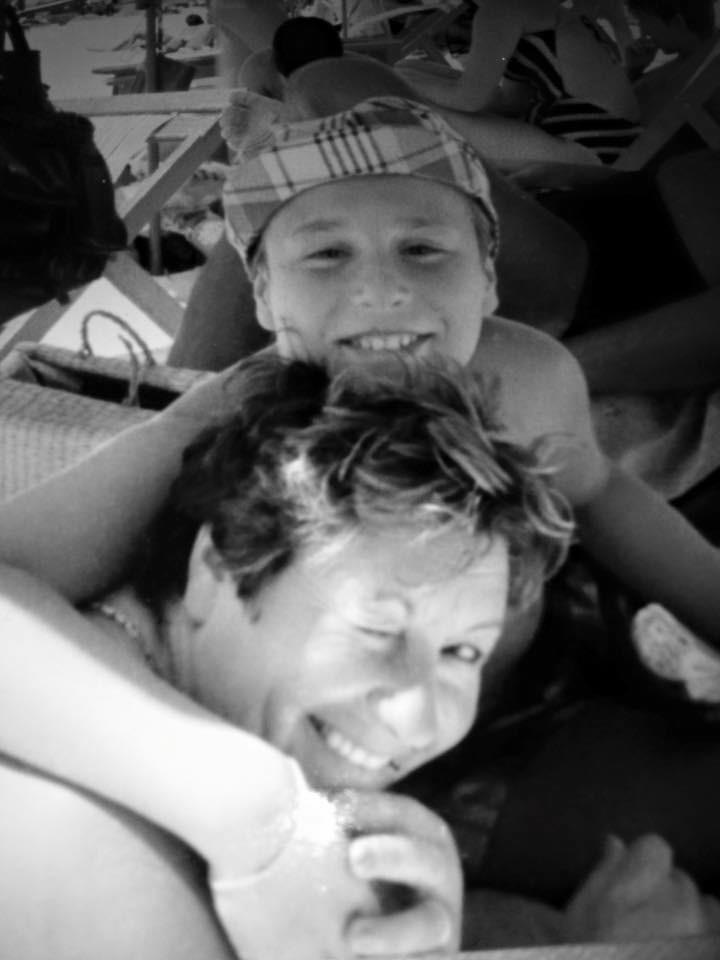 Nuno Eiró partilhou uma foto de infância com a mãe