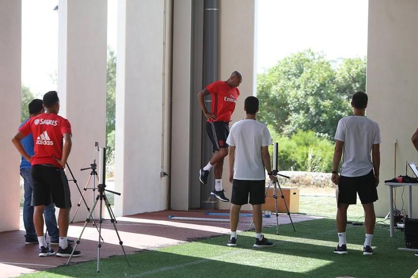 Luisão já no Benfica nos exames médicos de pré-época