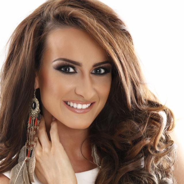 Deone Robertson é agora a nova Miss Grã-Bretanha