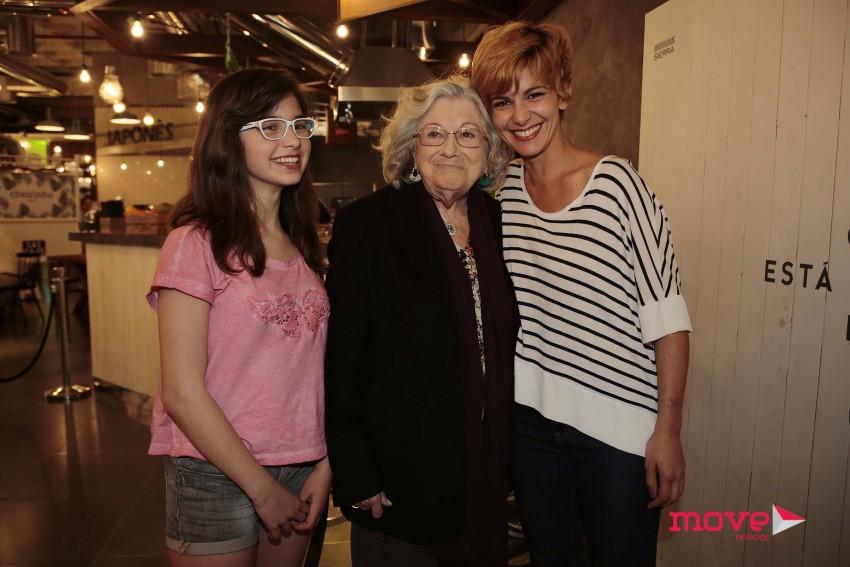 Maria e Susana Arrais com Eunice Muñoz
