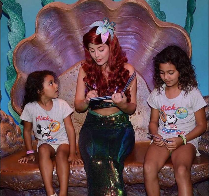 As filhas do craque benfiquista na Disneyland