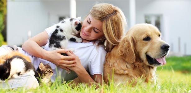 Resultado de imagem para pessoas com animais de estimaçao