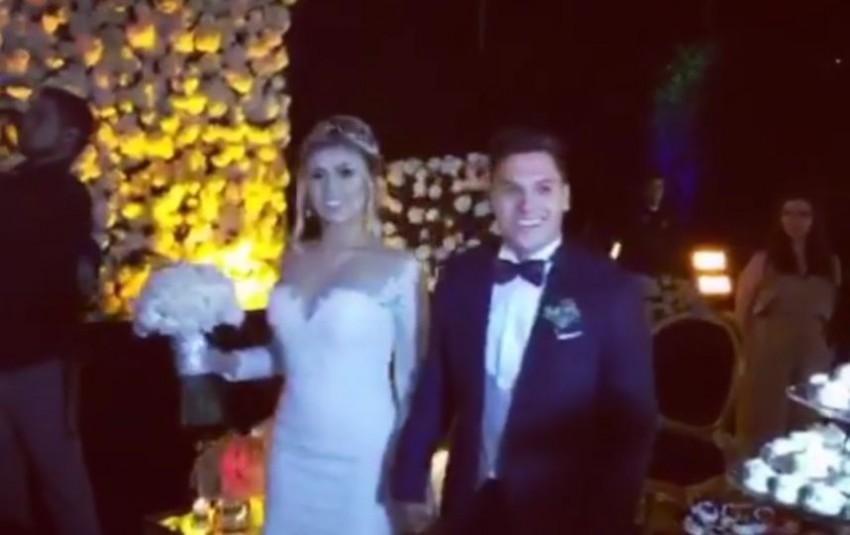 Quintero e esposa à entrada da boda
