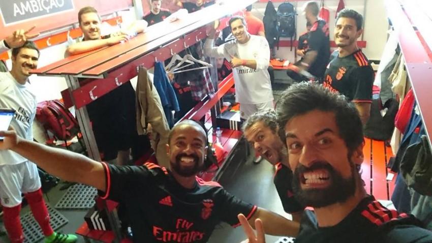 António Raminhos e colegas no balneário