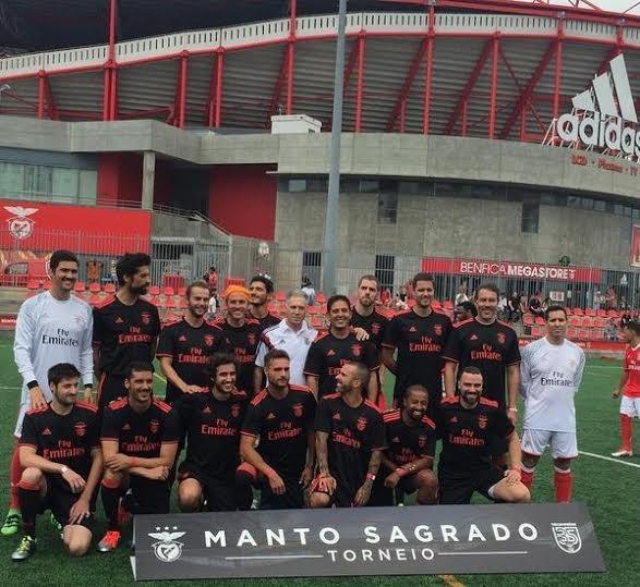 A foto de grupo antes do jogo