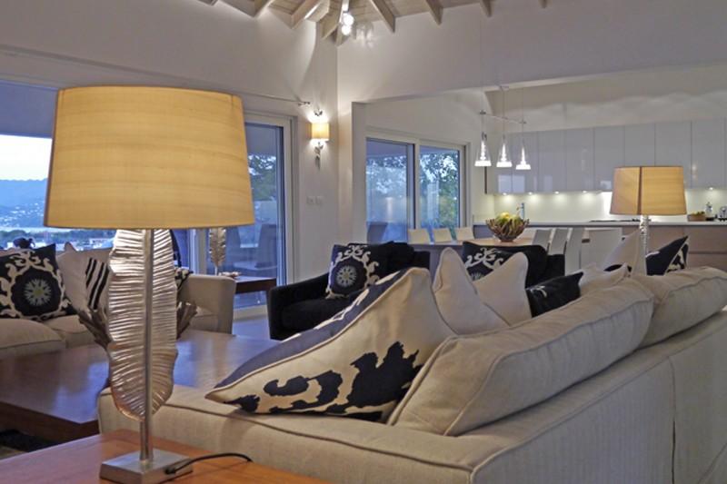 Interior das casas vendidas pelo agente imobiliário na ilha de Granada