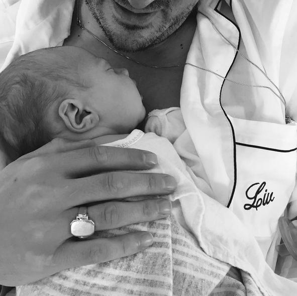 Lula Rose, filha de Liv Tyler, com o pai