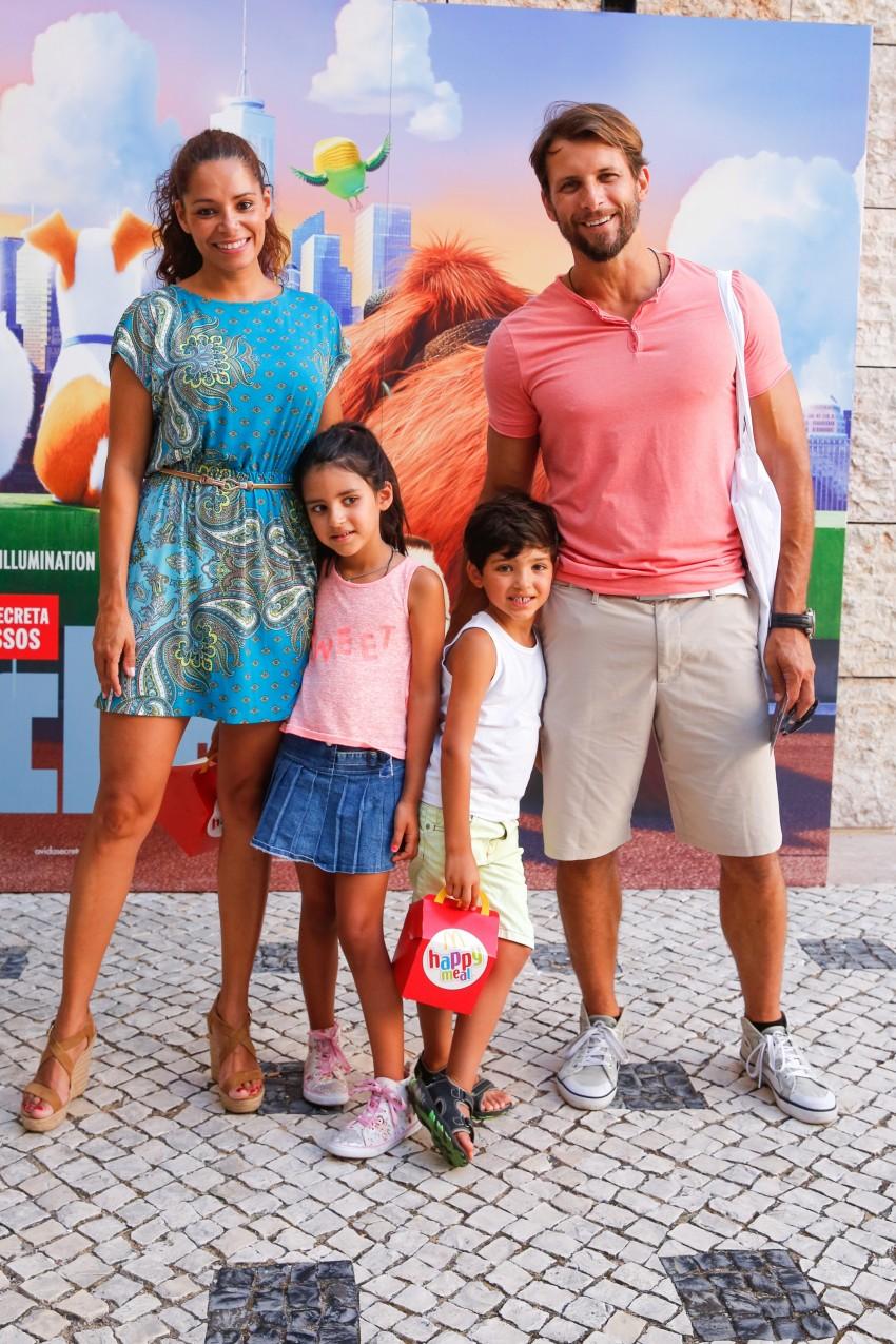 Mónica e Rubim com os filhos, Mia e Kenzo