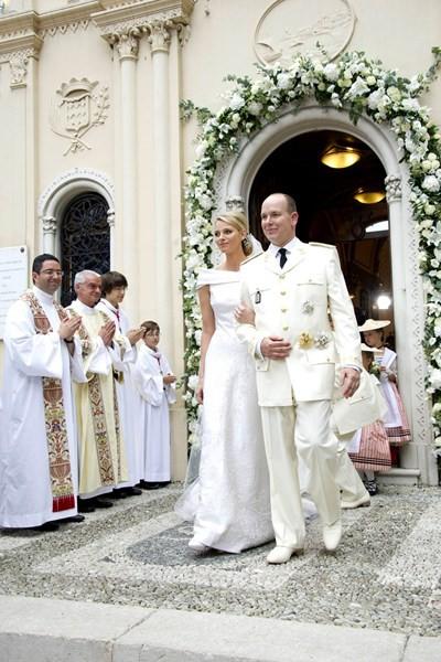 Prince-Albert-II-and-Princess-Charlene-tatler-4sep13_rex_b_400x600