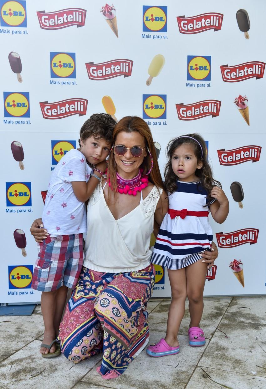 Rita Mendes com os filhos