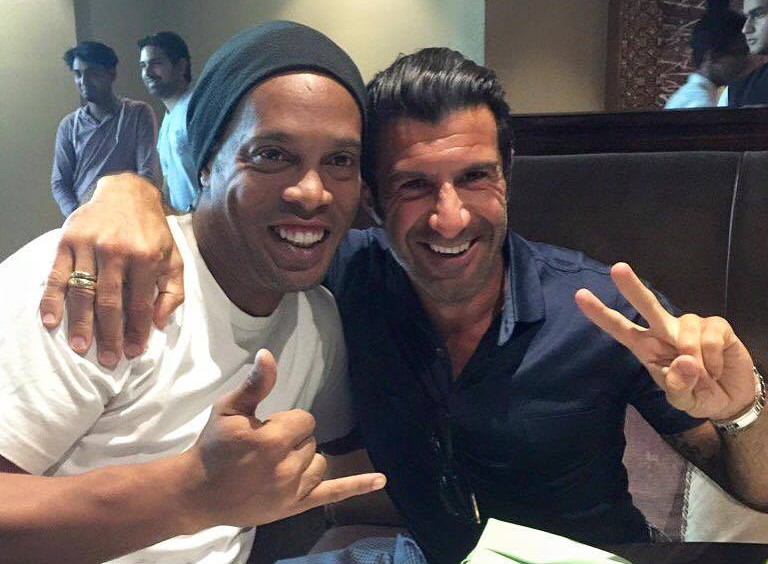 Ronaldinho Gaúcho e Luís Figo