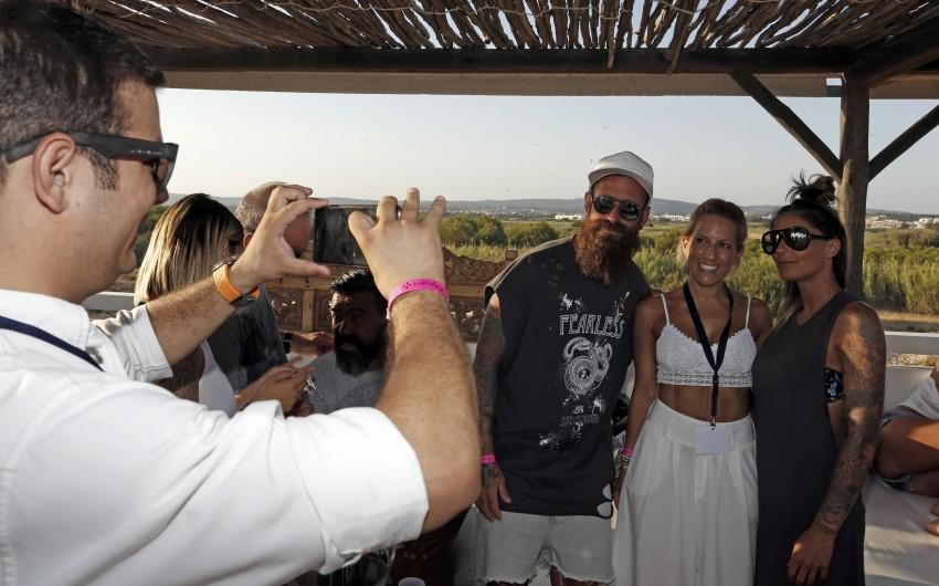 Raúl Meireles com a mulher, Ivone, e uma amiga