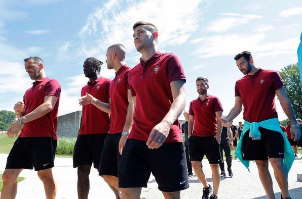 A equipa a passear em Marcoussis antes da final