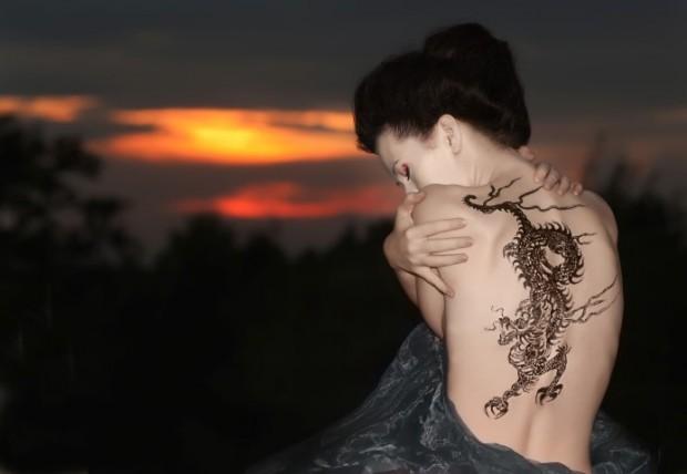 tatuagens-femininas-nas-costas-620x428
