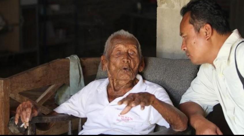 52560-noticia-descoberto-o-homem-mais-velho-do-mundo-tem-145-anos-mas-diz-que-so-quer_2