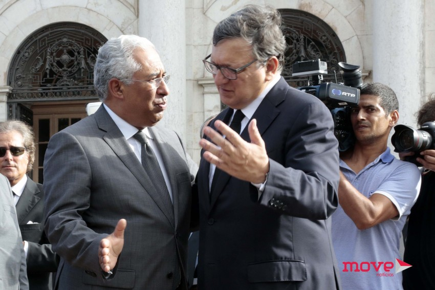 António Costa cumprimenta Durão Barroso