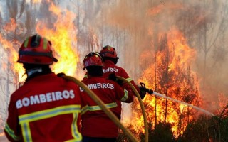bombeiros-incêndios-690x450