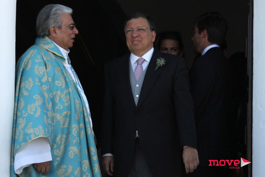 Com o padre Vítor Feytor Pinto, amigo da família