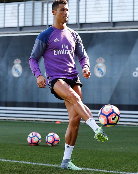 Cristiano Ronaldo tem estado a recuperar da lesão desde a final do Euro2016