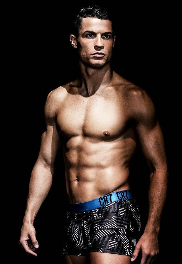 cristiano-ronaldo-models-underwear-03