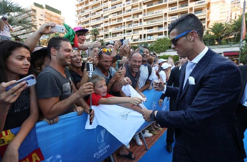 Cristiano Ronaldo Prémio Melhor Jogador UEFA 3
