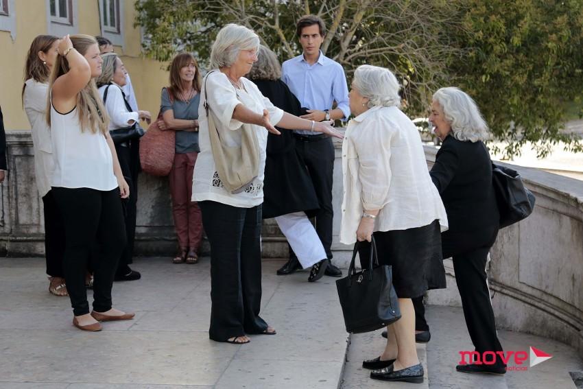 Mãe de Margarida Sousa Uva a chegar à Basílica da Estrela