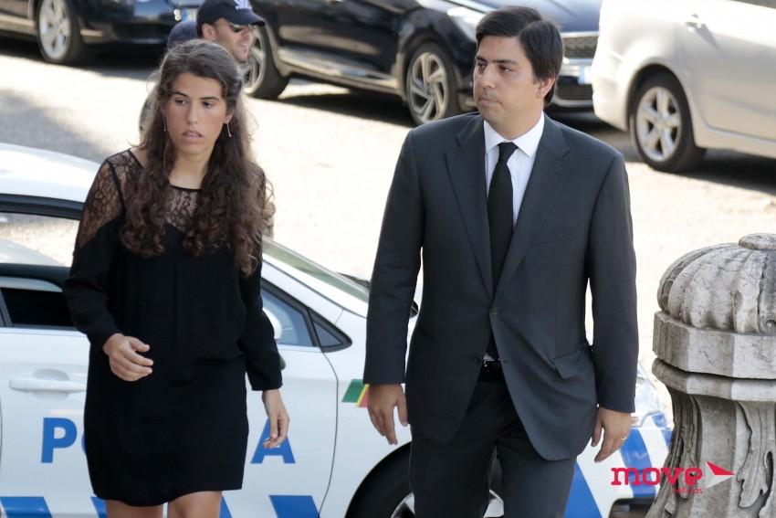 Guilherme, filho do meio do casal, acompanhado da mulher Luísa Salazar de Sousa