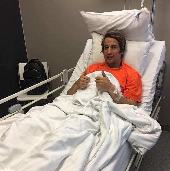 O jogador foi operado em abril e ainda não está totalmente recuperado
