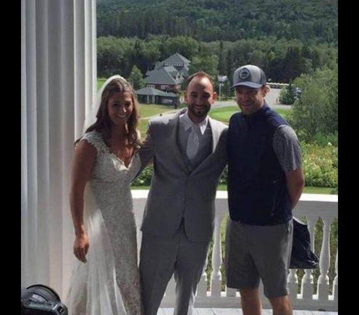 Com os noivos Chelsey Gaudet e Ryan Parks