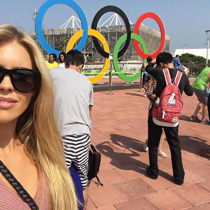 A modelo esteve no Rio de Janeiro a apoiar o namorado