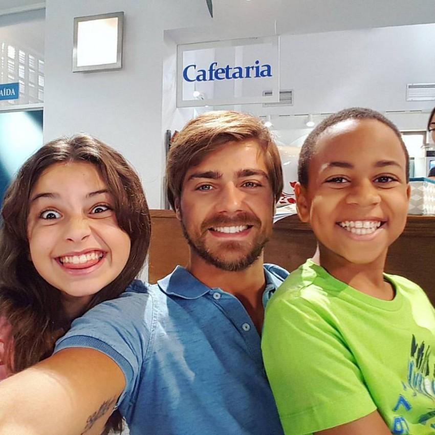 Lourenço Ortigão despediu-se da novela com parte do elenco mais novo