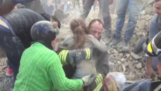 Menina salva 17 horas após sismo Itália 2