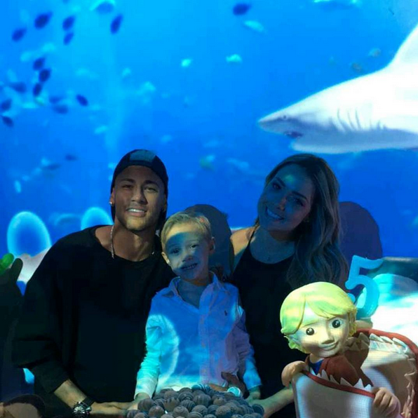 Neymar, filho Davi Lucca e mãe Carol Dantas