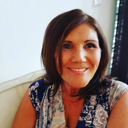 Nova foto Facebook Dolores Aveiro