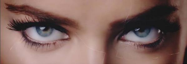 'Killer Eyes', os olhos assassinos de Irina Shayk
