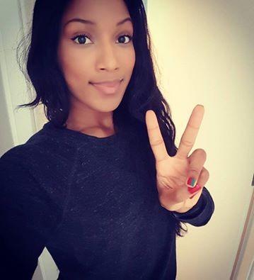 """Patrícia Mamona pintou as unhas com as cores da bandeira nacional. """"Unhas que gritam Portugal"""", escreveu a atual recordista nacional do triplo salto com a marca de 14,58 metros obtida nos Campeonatos da Europa de Atletismo de 2016 em Amesterdão"""