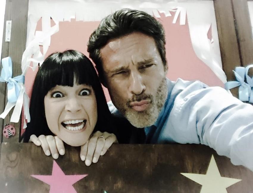 O ator muito divertido com Paula Neves, a sua mulher na trama