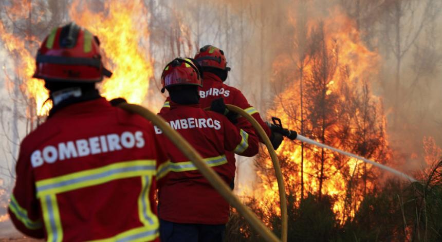 Resultado de imagem para bombeiros