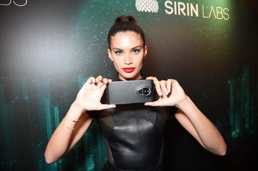 sara-sampaio-sirin-labs-vip-launch-party-in-london-5-31-2016sara-sampaio-sirin-labs-vip-launch-party-in-london-5312016-2