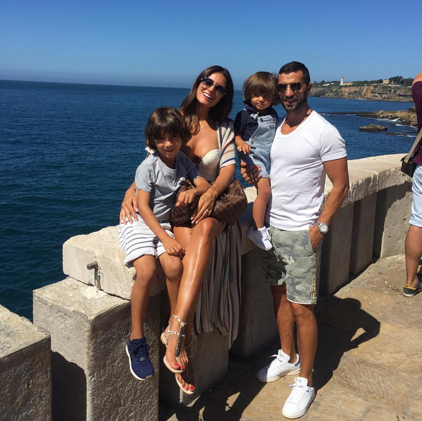 Simão Sabrosa, Vanessa Rebelo e filhos