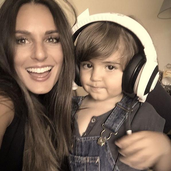 Vanessa Rebelo e filho Simão