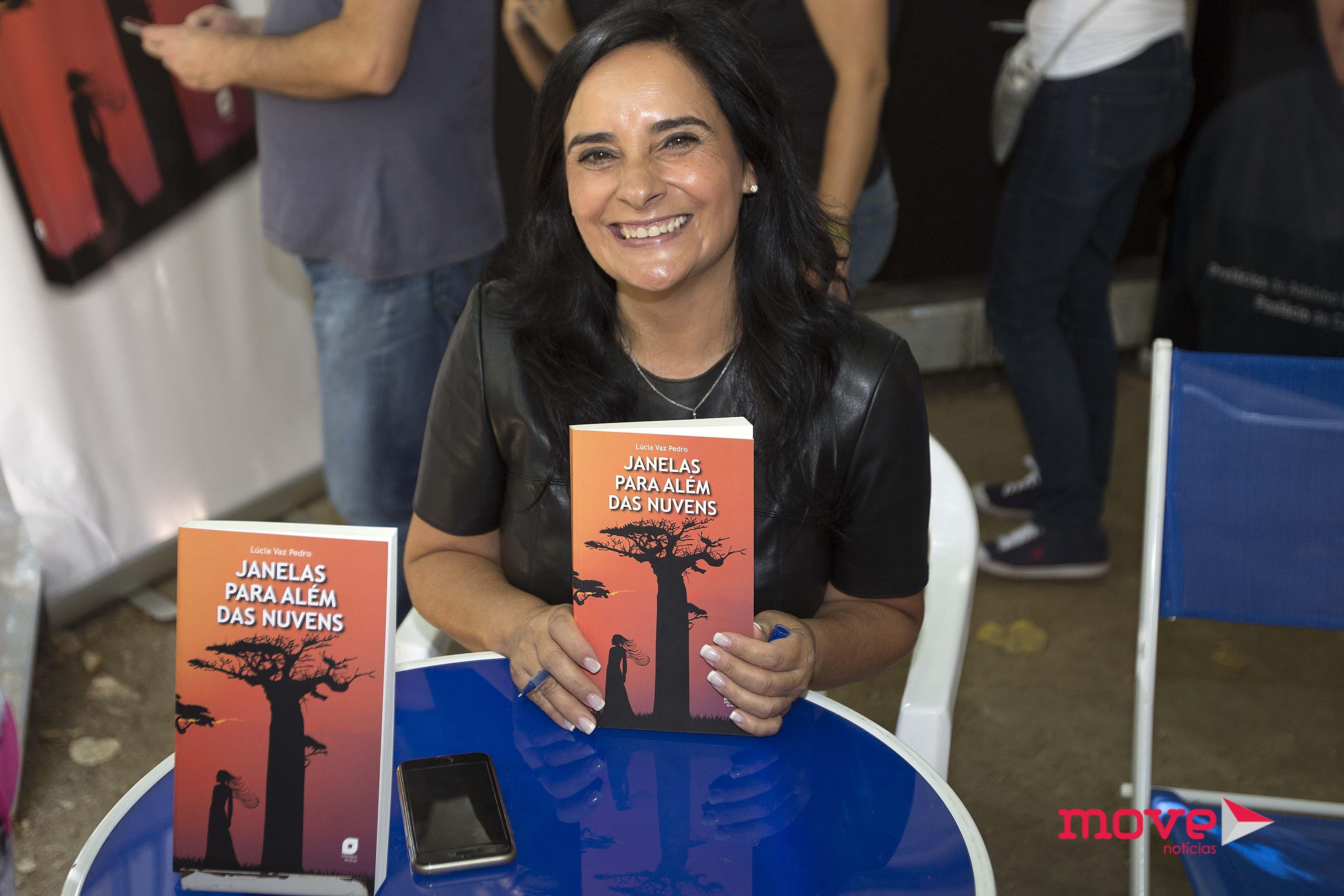 Lúcia Vaz Pedro Feira do Livro do Porto 3