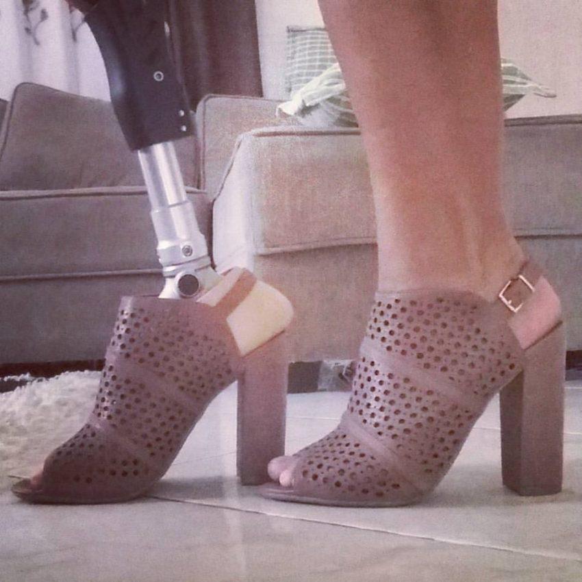 Adora sapatos de salto alto