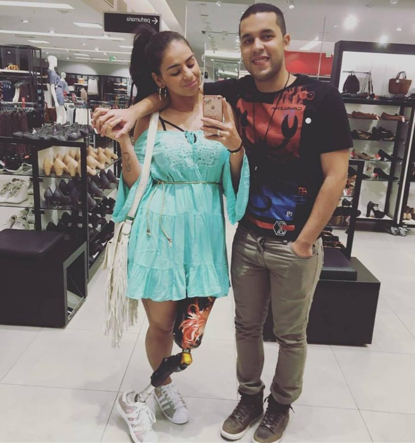 Com o namorado