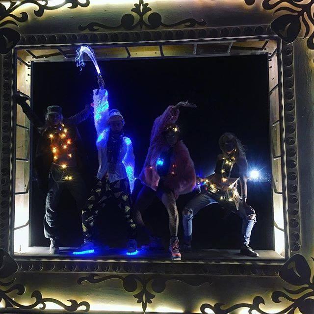 Cara Delevingne é uma presença assídua no Burning Man