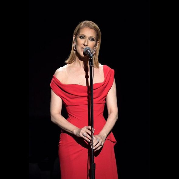 A cantora apresentou a sua nova canção 'Recovering'