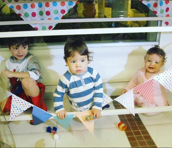 Os três filhos do ex-casal